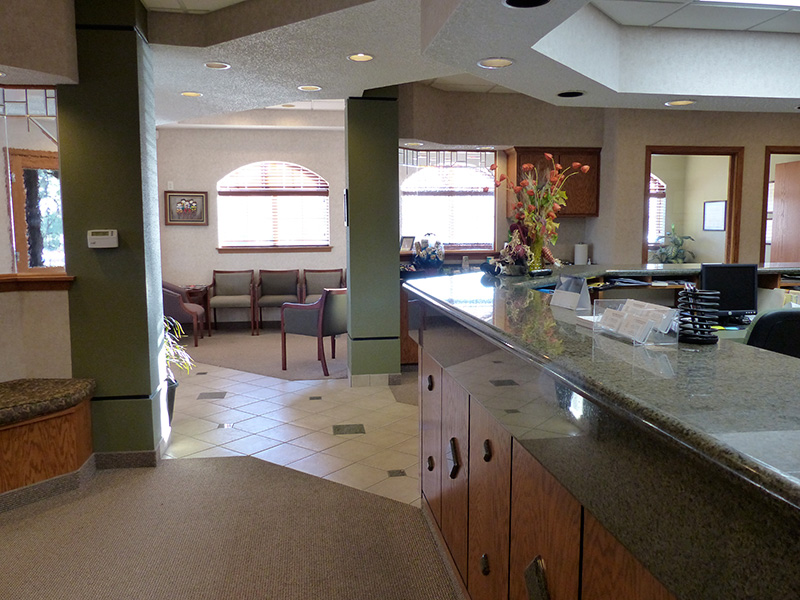 Dr. Rabinowitz Dental Office Front Desk Side